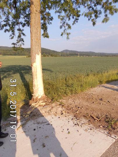 Verkehrsunfall zwischen Münchehof und Herrhausen. Fahrer erleidet tödliche Verletzungen.