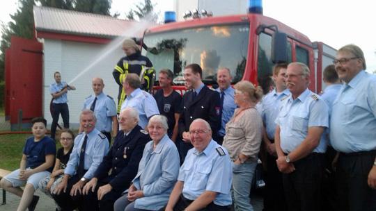 Übergabe eines MLF an die Freiwillige Feuerwehr Münchehofe